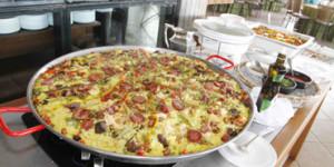 Paelha Pantaneira, o clássico espanhol adaptado ao sabor local