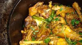 Frango caipira (ou galinha caipira), uma prato centenário e atual