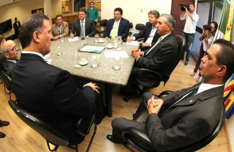 reinaldo com ministros paraguaios-180316 1