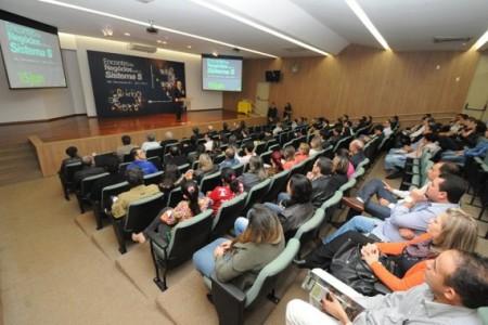 1º Encontro de Negócios reuniu dezenas de empresas no auditório do Sesi em Dourados