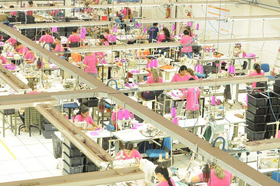 As horas trabalhadas na produção tiveram pequena alta de 0,2% e o nível de utilização da capacidade instalada registrou leve melhora de 0,3 ponto percentual e alcançou 77,4% - (Foto: Divulgação)