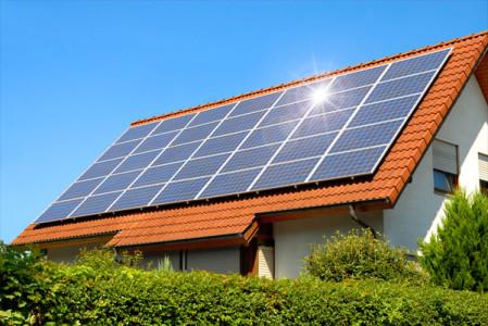 consumidor que optar por gerar a própria energia por meio de fontes renováveis pode trocar energia com a concessionária local e obter descontos na conta de luz - Foto: Arquivo