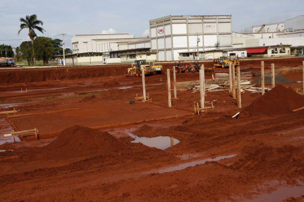 Atualmente, grupo JBS está construindo nova planta industrial para dobrar capacidade de produção em Dourados - Foto: Divulgação