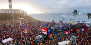 Carnaval beneficia turismo e injeta R$ bilhões em cidades de todo o Brasil