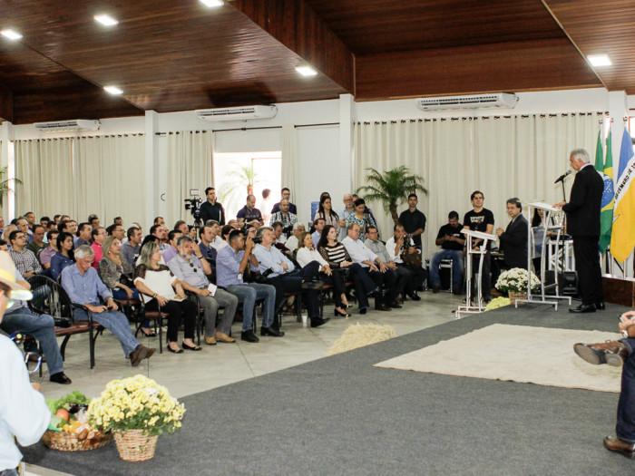 Lúcio Damália discursa na abertura da Expoagro, que segue até dia 21 em Dourados. (Foto: Divulgação).