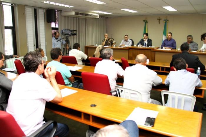 Deputado Renato Câmara vai entregar ao governo do Estado documento com diversas reivindicações apresentadas pelos pescadores de MS. (Wagner Guimarães).