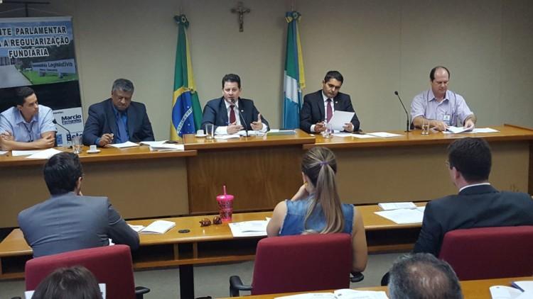 Deputado Renato Câmara fala na reunião da Frente, no Plenarinho. (Foto: Foto: Wagner Guimarães ).