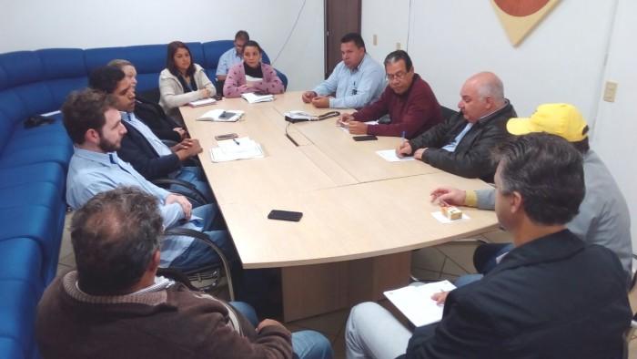 Coordenação geral e comissão organizadora discutem e encaminham detalhes de realização da Itaquipesca 2017. (Foto: Roney Minella).
