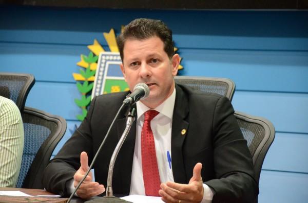 Deputado Renato Câmara coordena audiência sobre nota eletrônica do produtor nesta terça-feira em Nova Andradina. (Foto: Wagner Guimarães).