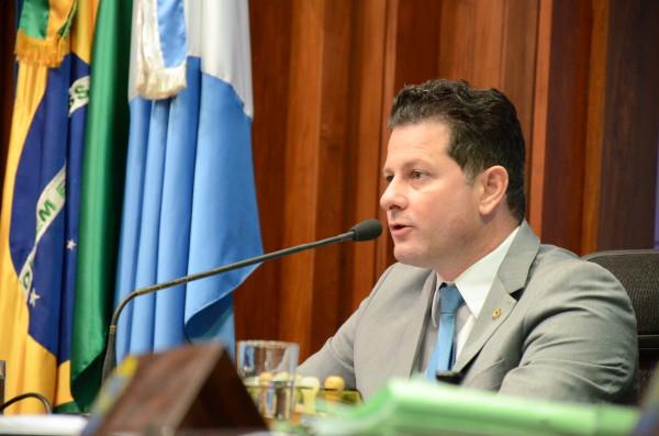 Projeto de lei de autoria do deputado Renato Câmara, que torna obrigatória a colocação de banheiros químicos adaptados às pessoas portadoras de necessidades especiais, foi aprovado nesta terça-feira na Assembleia Legislativa. (Foto: Toninho Souza).