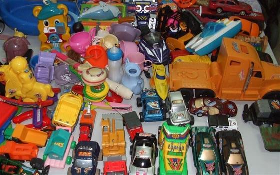 Existem diversos fabricantes nesse segmento e cada um oferece ao consumidor vários tipos e modelos de brinquedos. (Foto: Divulgação).