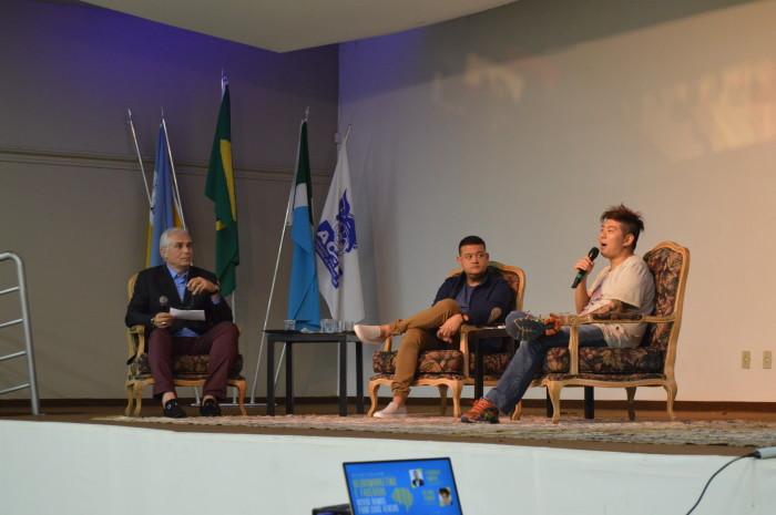 Jornalista Ogg Ibrahim, e palestrantes Fernando Kimura e Juliano Kimura em evento na Aced. (Foto: Divulgação).