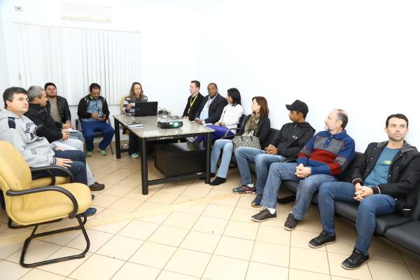 Organizadores e apoiadores do evento se reuniram na Prefeitura, na manhã desta quinta, para debater ações do evento. (Foto – A. Frota).