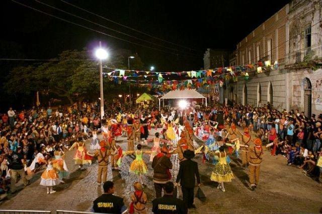 Em Corumbá o ponto alto da festa é o Banho de São João nas águas do Rio Paraguai. (Foto: Divulgação).