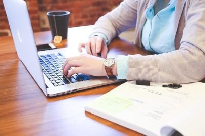 Ambos os cursos, que são gratuitos e totalmente online, o prazo de conclusão foi estendido para o dia 17 de fevereiro de 2019. (Foto: Divulgação).