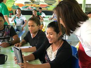 Os alunos da Escola Família Agrícola do Pacuí (Macapá-AP) participam de oficina do Projeto Geodigital, para desenvolvimento de um aplicativo de gestão da propriedade rural. (Foto: Jackson dos Santos).