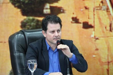 Seminário proposto pelo deputado estadual Renato Câmara reuniu mais de 300 pessoas no sábado em Dourados e gerou diversos encaminhamento para o combate à dengue no município e no Estado - Foto: Thiago Morais