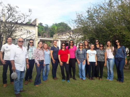 Estudantes de doutorado e mestrado em Agronomia, da UEMS, de Aquidauana/MS, participaram de atividades realizadas na Embrapa Agropecuária Oeste, em Dourados. (Foto: Chris Comas).