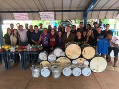 Deputado estadual Renato Câmara fez a entrega de uma emenda que possibilitou a compra de materiais esportivos e equipamentos musicais às atléticas da Uems em Dourados