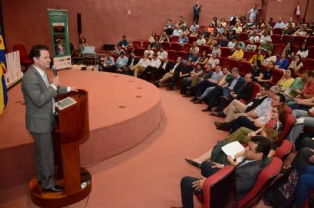 Coordenador da Frente Parlamentar de Desenvolvimento das Unidades de Conservação Ambientais, deputado Renato Câmara participou na semana passada do 1º do Simpósio de Uso Público em Parques no Mato Grosso do Sul