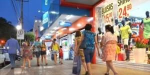 Comércio estima perdas de R$ 20 bi com feriados em dias úteis